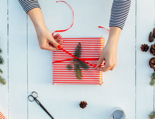 Impress your friends and family with these 3 simple tips for easy gift-wrapping!